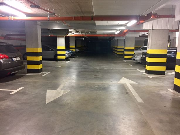 Sprzedam - Miejsce postojowe w garażu wielostanowiskowym