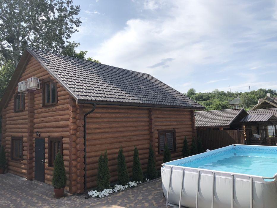 Дом с бассейном и баней в центре сруб-1