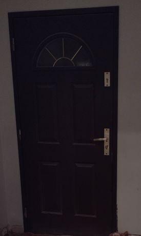 Drzwi zewnętrzne stalowe  90 lewe Porta