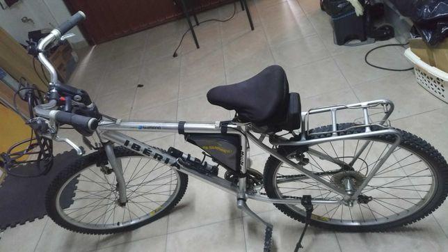 2 Bicicletas - 1 Ibéria Shimano (26)  1 BTWIN Nova (24)