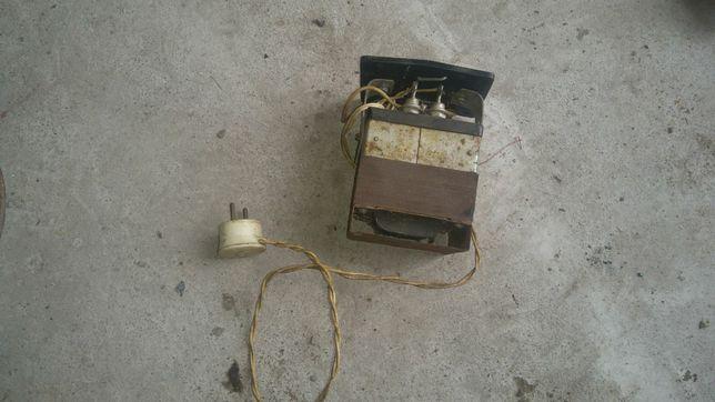 Продам зарядное устройство для акумулятора