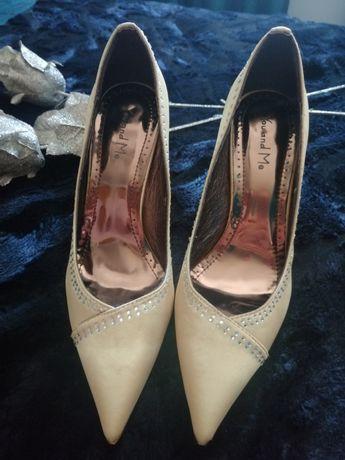 Sapatos Dourados Novos Tam 38