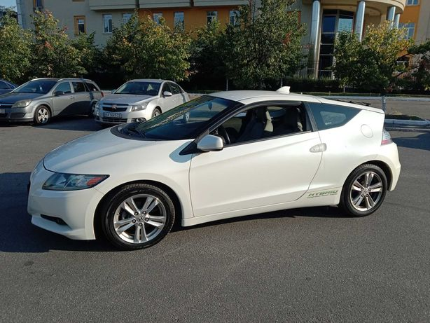 Продам авто Honda CR-Z в отличном состоянии