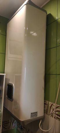 Bojler podgrzewacz wody Ariston Velis 80 litrów  1500 W  elektryczny