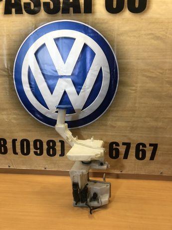 Бачок омивача скла на Volkswagen Passat CC