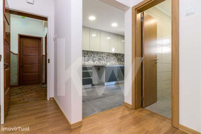 T2 em Almada REMODELADO com 140 m2 de quintal