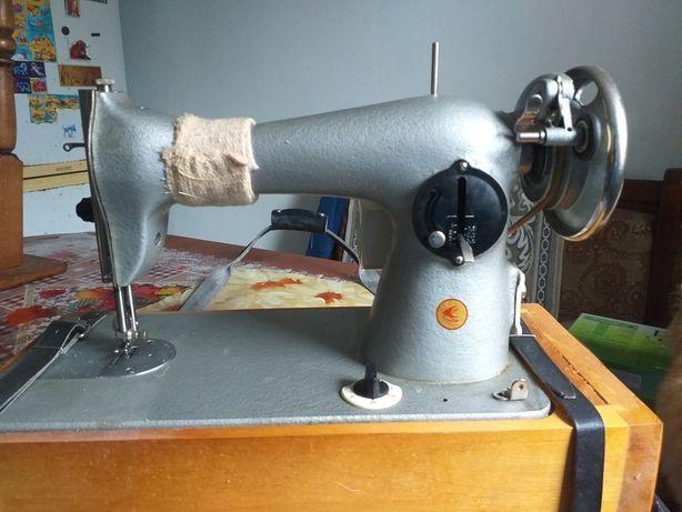 Швейная машинка электро.