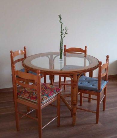 Mesa e 4 cadeiras lindo tipo bambu maçico alcabideche ou alcoitao
