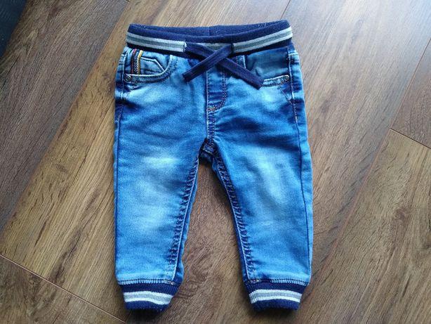 Długie spodnie dla chłopca firmy Mayoral roz. 68