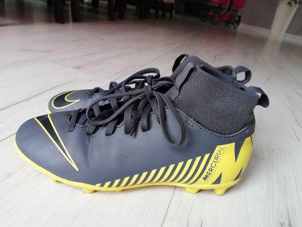 Buty Nike korki rozm. 35