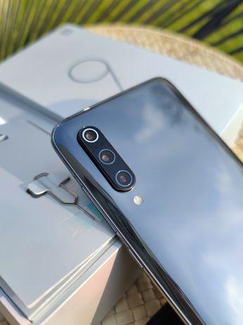 Xiaomi mi9 6gb 128gb global. Kupiony w euro AGD RTV. na gwarancji