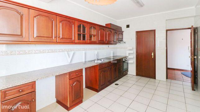 Apartamento T3 Arrendamento em Oiã,Oliveira do Bairro