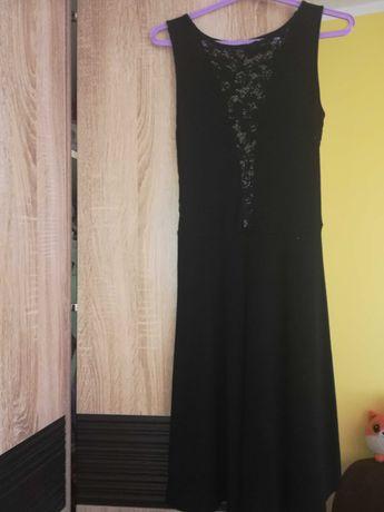 Sukienka z koronką czarna M