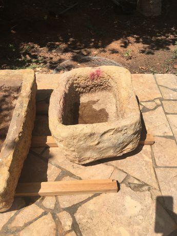Pias de Pedras Antigas
