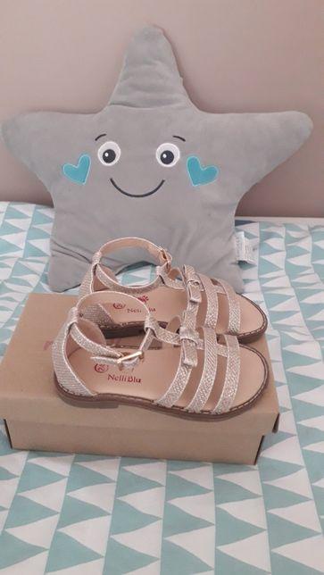 Sandałki dziewczęce Ccc