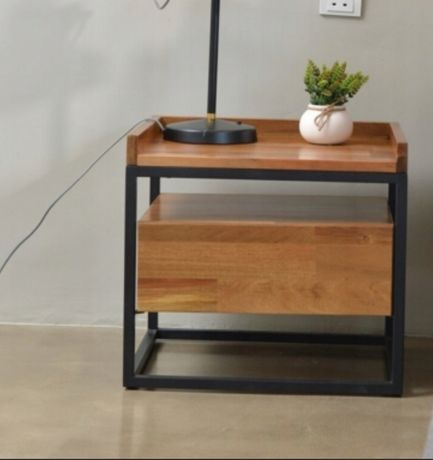 Drewniana szafka nocna stolik nakastlik kastlik loft loftowy