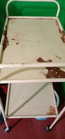Манипуляционный столик на колесиках