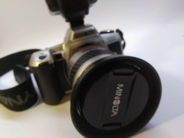 OBSERWUJ MINOLTA DYNAX 505 si plus obiektyw i lampa
