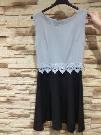 Sukienka kloszowana