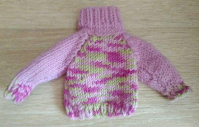 Аксессуары для куклы. Туфли, свитер, шапочка.