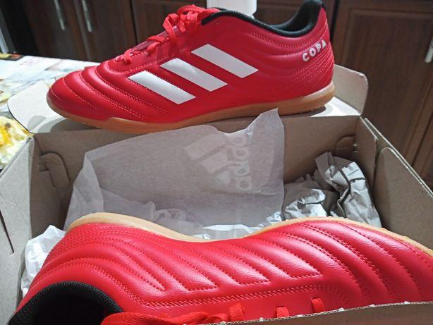 Sprzedaz nowe buty sportowe