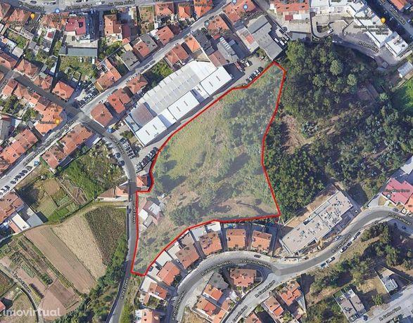 Terreno para construção e área verde em Rio Tinto
