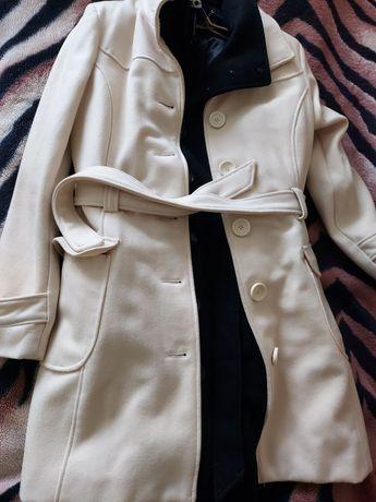 Продам пальто Orsay, белое и черное.