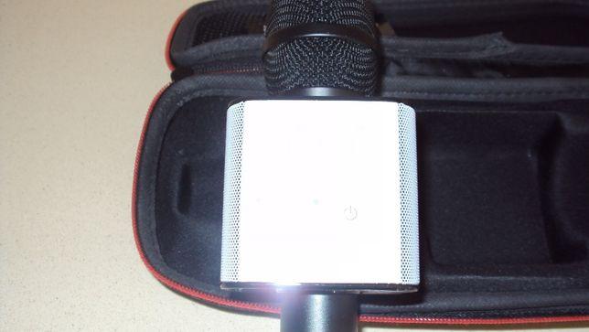 Microfone Karaoke com coluna
