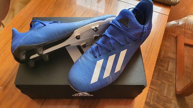 Buty piłkarskie korki.