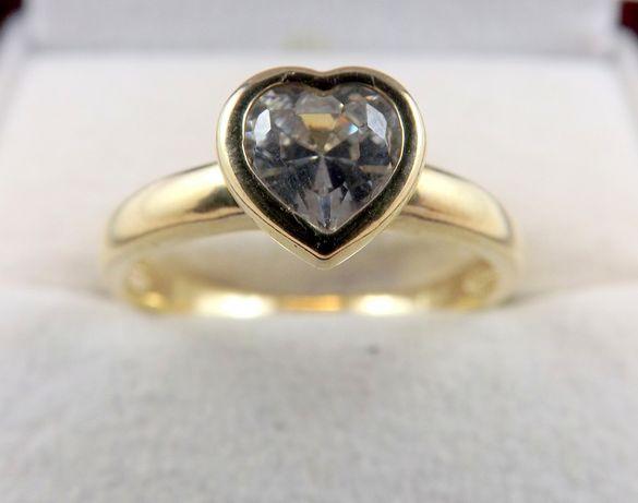 Prześliczny złoty pierścionek 2,82 GR 333
