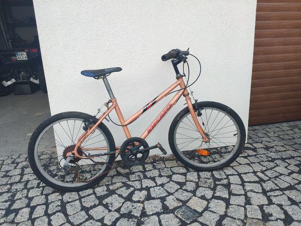 rower dziecięcy pomarańczowy