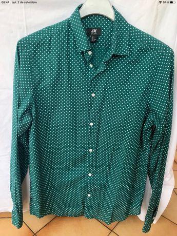Camisa h&m verde como nova tmbm tenho armani