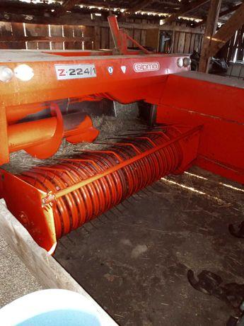 Ursus 3512 i maszyny (rozrzutnik, prasa Z-224)