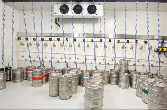 Холодильники промислові камери для напоїв, пива для бізнесу в Тернопі