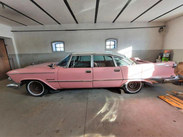 Zabytkowy Chrysler Imperial Crown 1959 rok