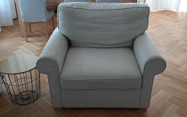 Duży fotel, klasyczny, stylowy, lniane pokrycie