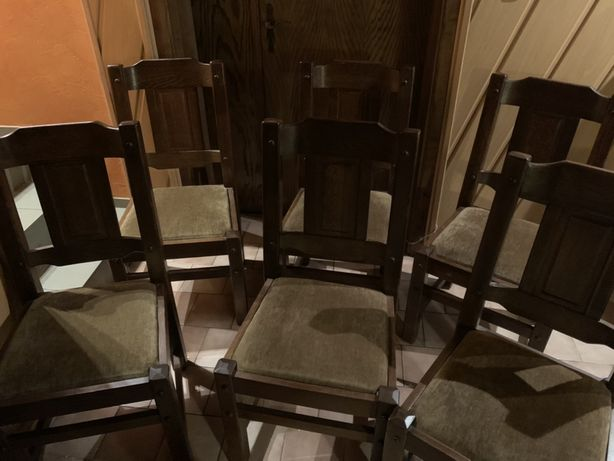Drewniane krzesła