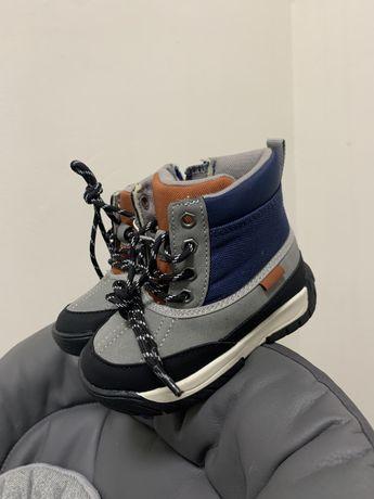 Zara ботиночки для хлопчика нові 22
