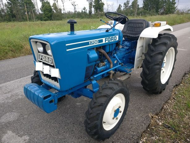 Trator FORD 1700 4WD
