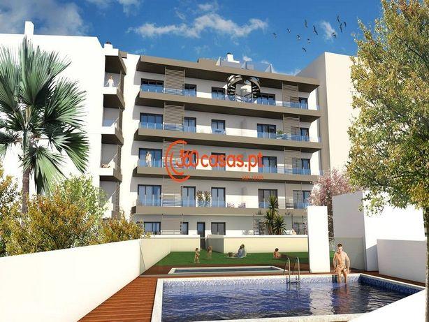 Apartamento T3 com piscina e garagem em Olhão