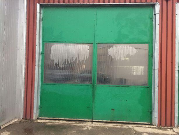 Drzwi garażowe na Hale
