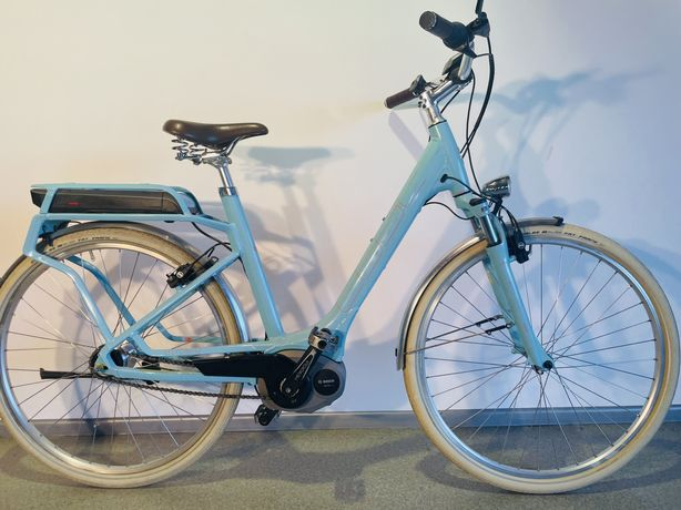 Женский Электровелосипед Cube Hybrid на Bosch Shimano Nexus Magura