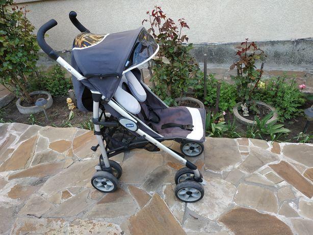 Прогулочную коляску Chicco