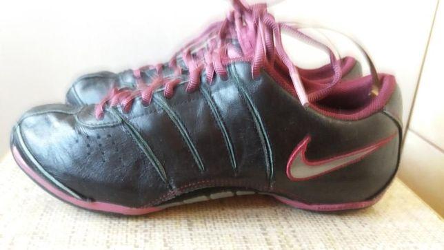 Adidasy buty do tańca fitness skórzane Nike Zoom Dance wkładka 23,5 cm