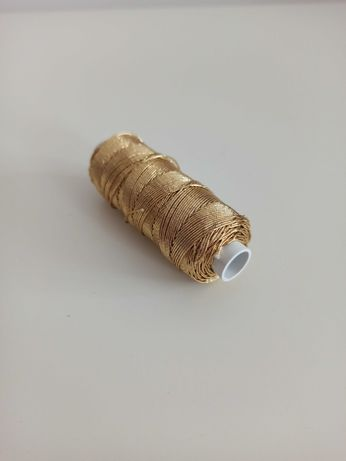 Nić metalizowana w kolorze złotym