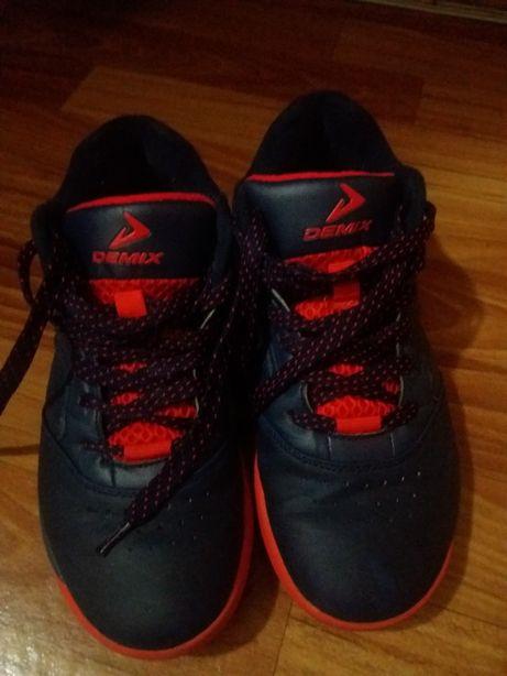 Кроссовки баскетбольные 40 размер