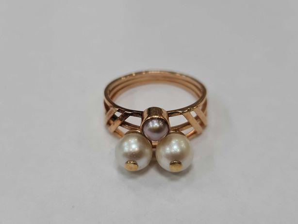 Wyjątkowy złoty pierścionek damski/ 585/ 4.29 gram/ R16/ Perły