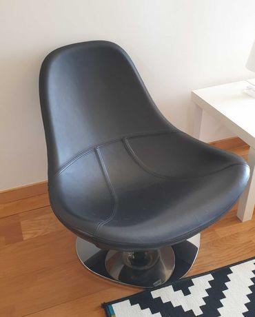Poltrona giratória em pele (Ikea - Tirup)