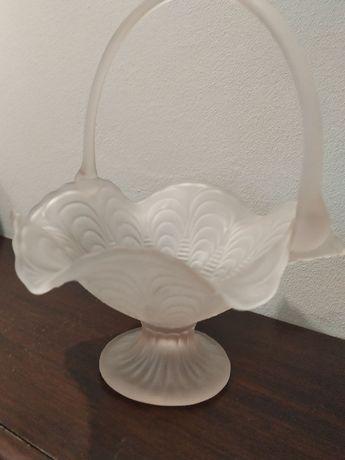 Szkło mrożone koszyczek subtelny biały krem przechodzący w róż