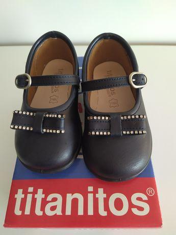 Sapatos Titanitos TAM 21 novos